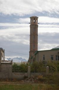 2008-10-14-Bishkek-Mosque-and-Mountains-IMGP1776